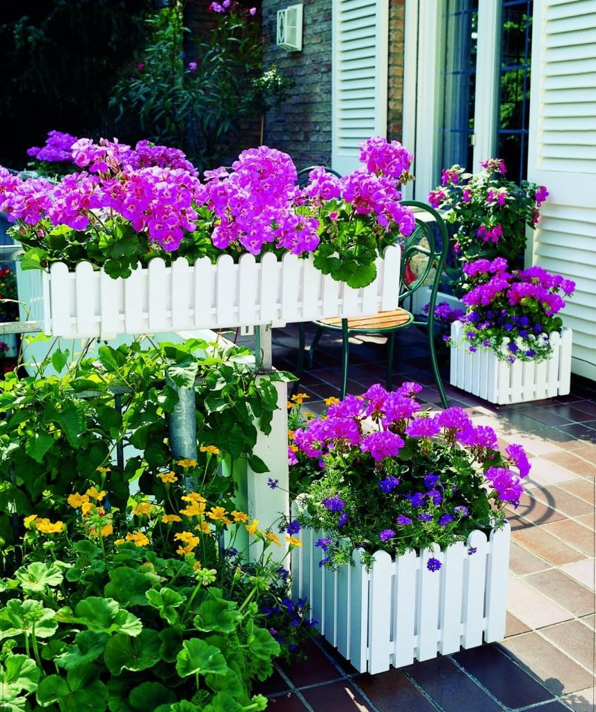Balkonkästen von Emsa im Landhausstil