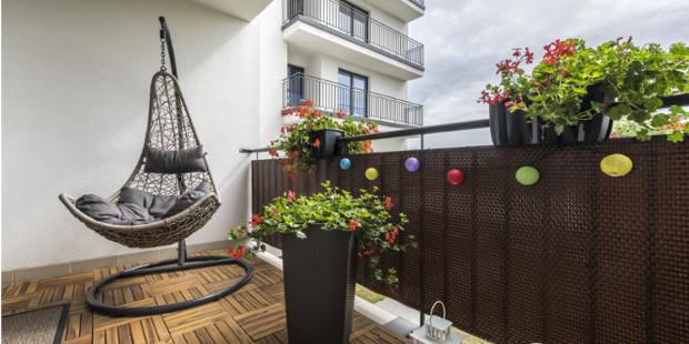 Sichtschutz Idee mit Balkonumspannung