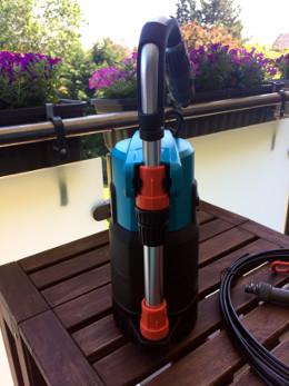 Automatisches Bewässerungssystem für den Balkon Pumpe Gardena 4000 2 automatic hinten